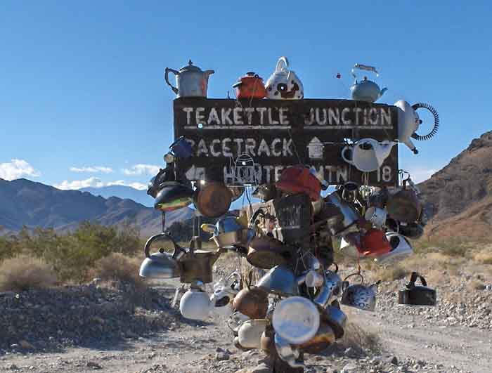 dv1_35_-_the_sign_for_tea_kettle_junction