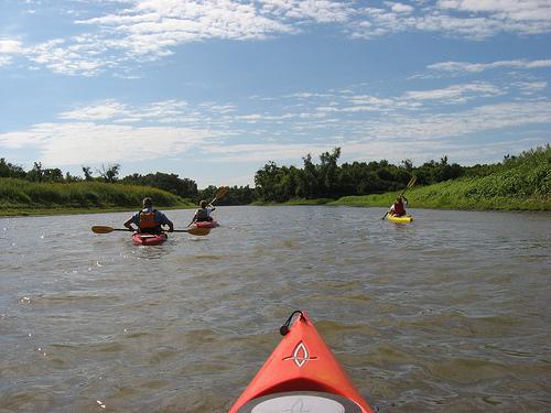 kayaking-the-james