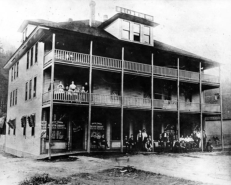 1905-skykomish-hotel