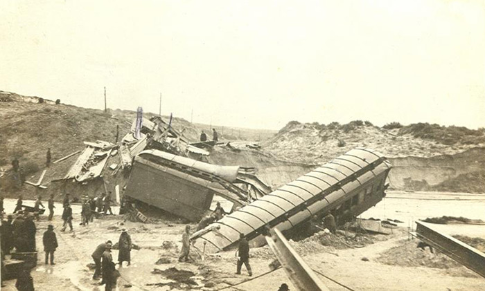 wyglenrock-trainwreck-rw
