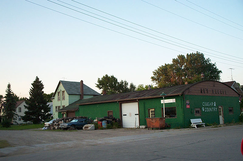 Al's Garage in Borup