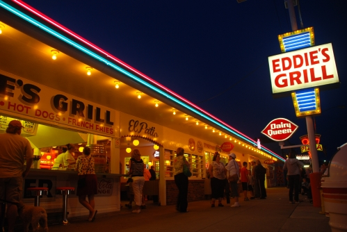 Eddie's at night