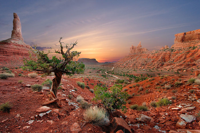 sunrise at the valley of the gods