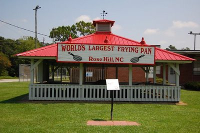 World S Largest Frying Pan 171 A Landing A Day