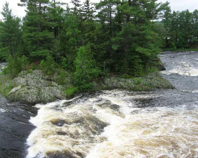 Island Falls, Maine A Landing a Dayisland falls town