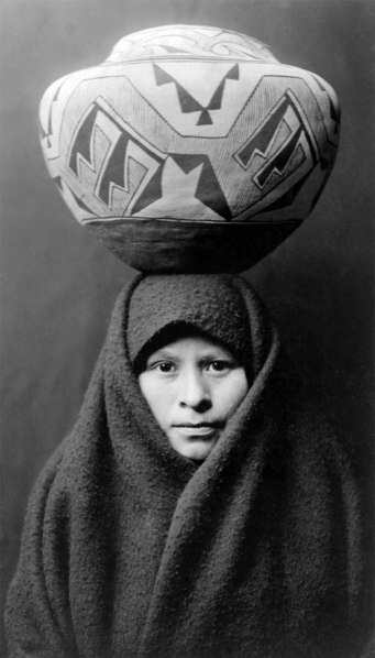 341px-Zuni-girl-with-jar2