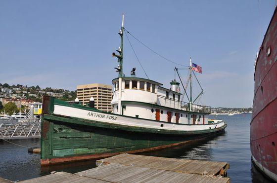 800px-Tugboat_Arthur_Foss_05