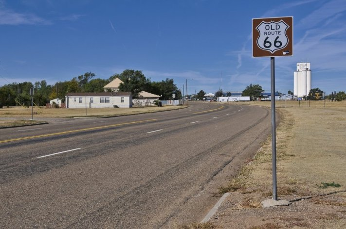 pano fred henstridge old route 66 sign, vega