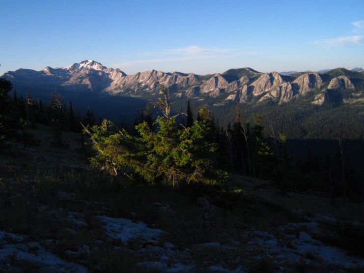 pano montanabackpacker 2 mi E looking SW towards silvertip peak