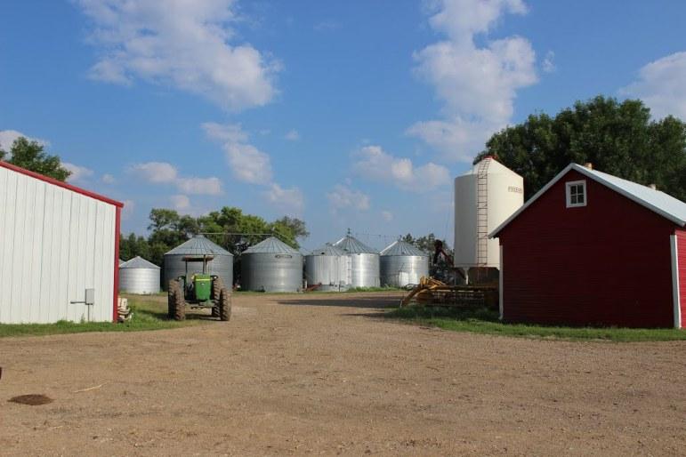pano devan mayer farm