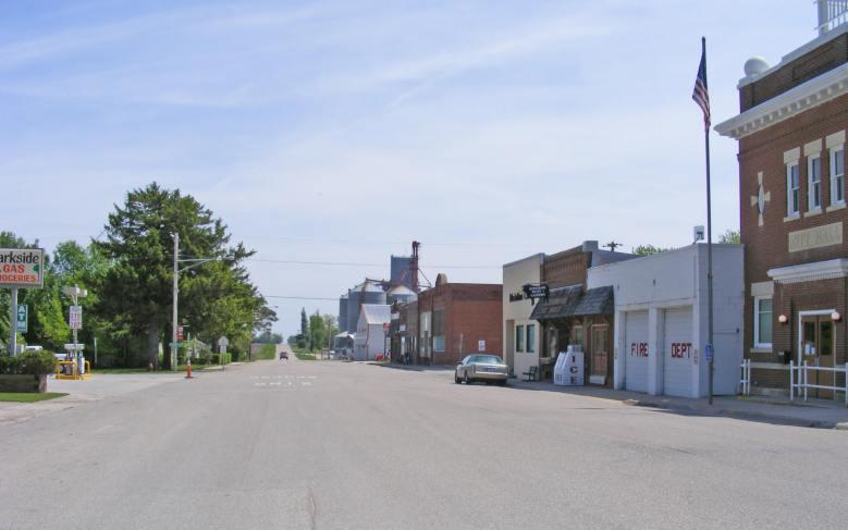 lakesnwoods.com main street