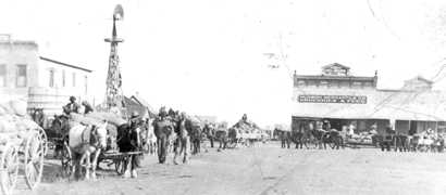 texas escapes 1918 main street
