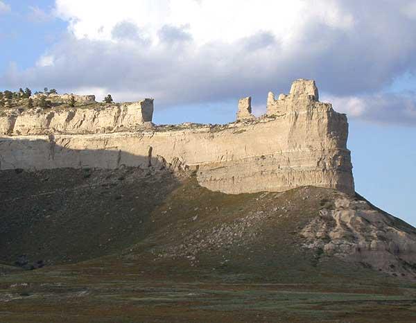 Saddlerock_Scotts-Bluff_NM_Nebraska_USA wiki