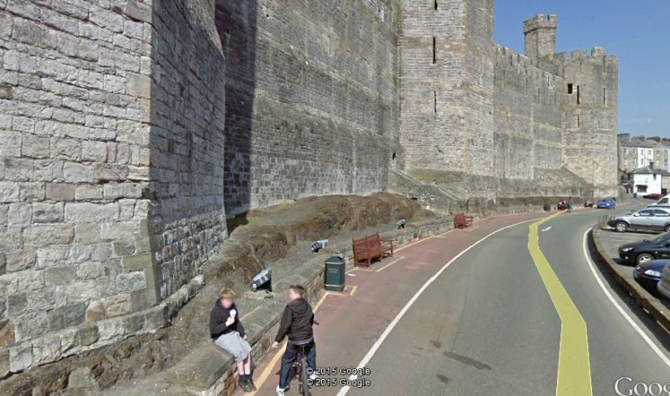 ge streetview with castle and boys