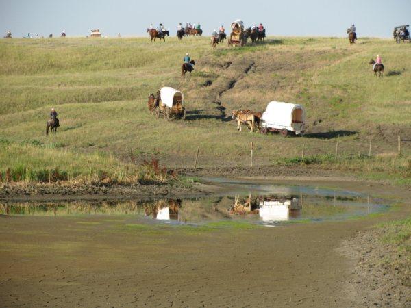 agar-centennial-wagon-train