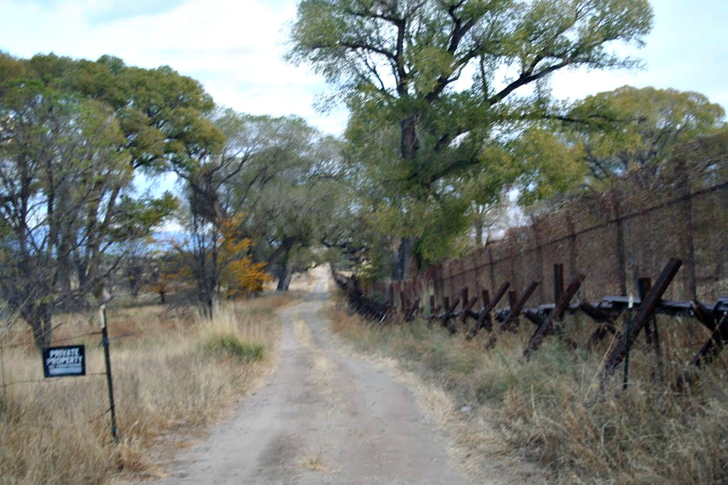 pano az off road border fence