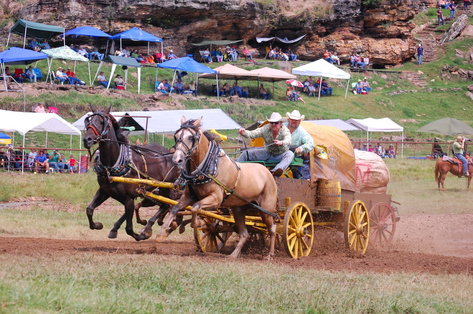 National-Championship-Chuckwagon-Races-Clinton-AR
